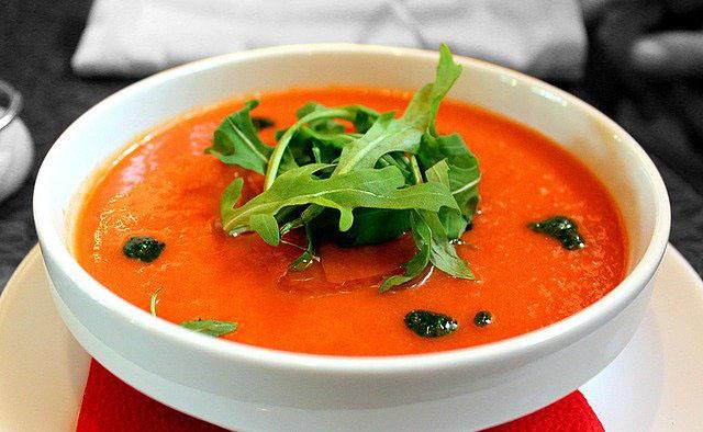 Receta de gazpacho de sandía y tomate con pimientos rojos