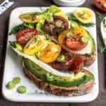 Sándwich de aguacate saludable