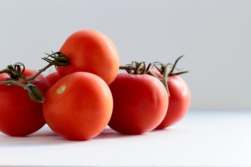 Cómo escoger un tomate maduro