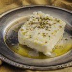 Cómo hacer queso feta macerado en casa