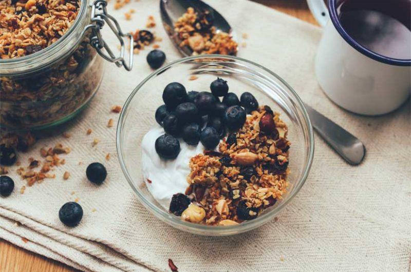 Receta de granola de semillas de lino con frutas
