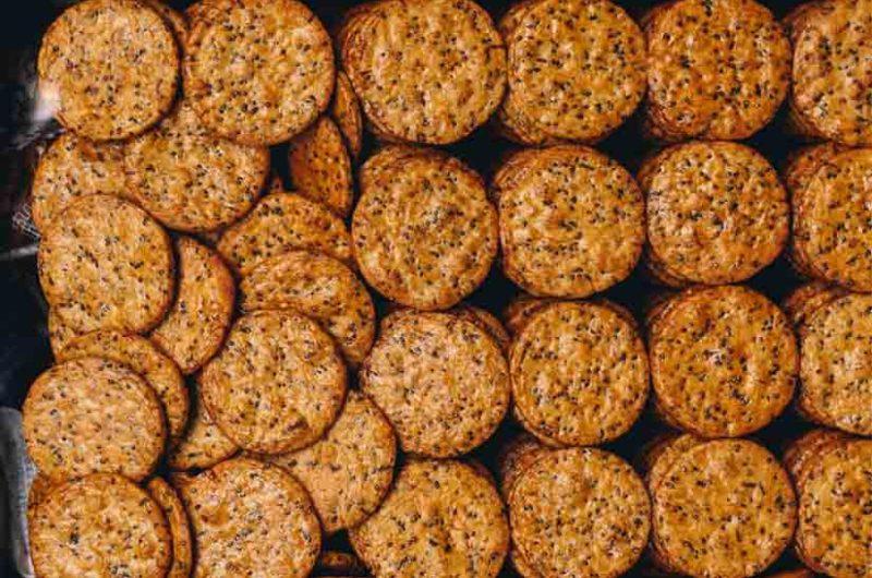 Receta de galletas saladas de cacahuete y sésamo